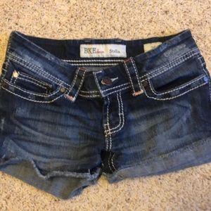 BKE Denim  Stella Jean Shorts Tag Size 26 BMM1205